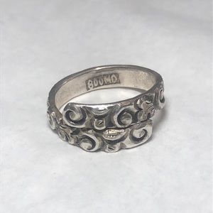 800 Silver Floral Engraved Bypass Ring